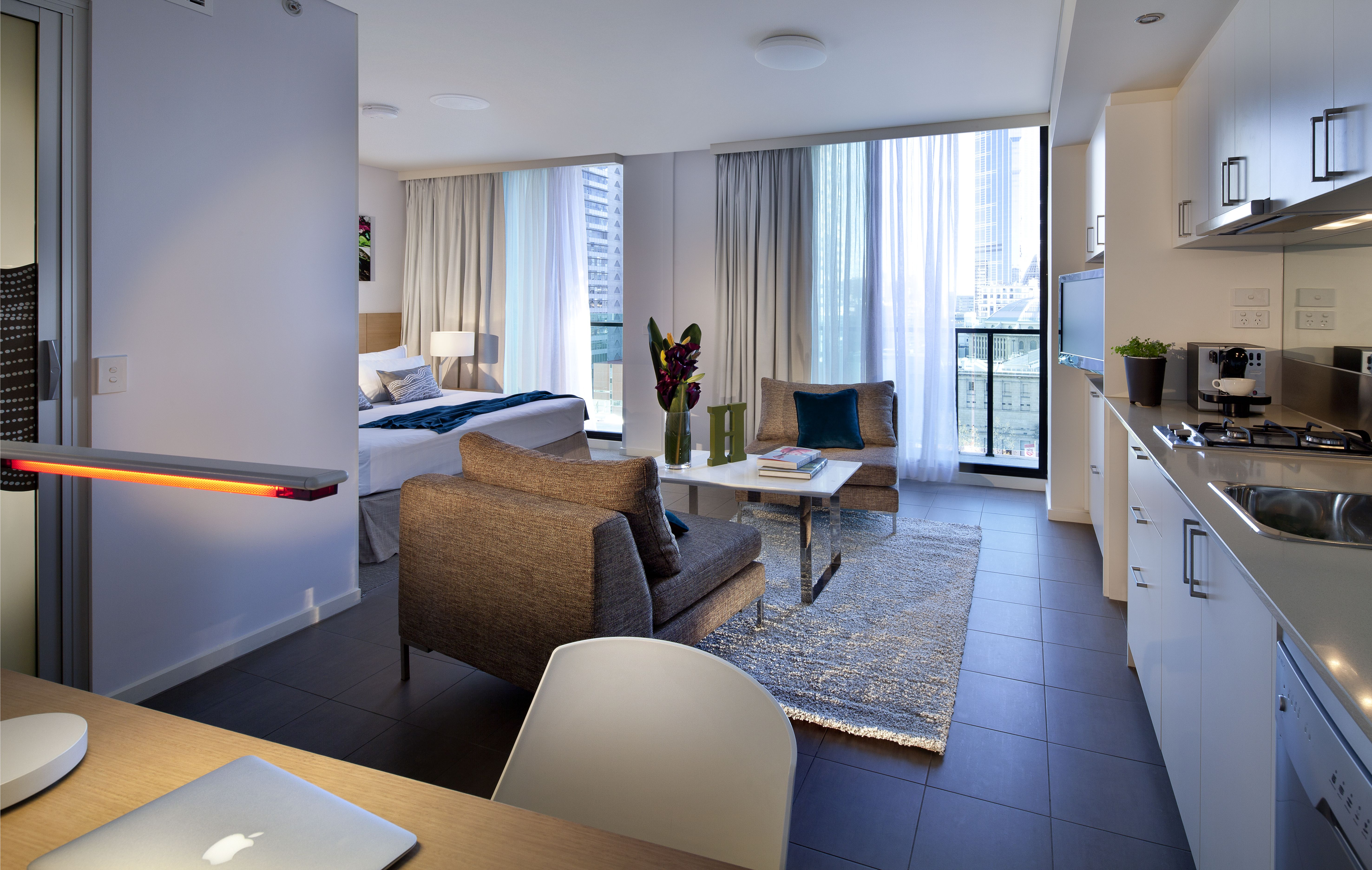 Fraser Place Melbourne sets Gold Standards with Chic All ...